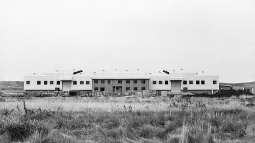 Simon Gush at the Biennale für aktuelle Fotografie