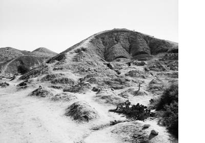 Hillside graves, Dombe Grande