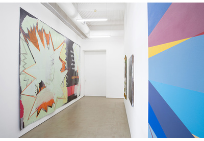 18.04 Installation view with works by Dorothee Kreutzfeldt (left) and Odili Donald Odita (right)